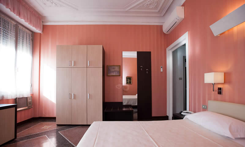 hotel genova family rooms